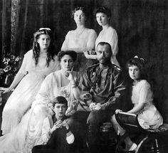 (1913) Tsar Nicholas ll. of Russia with his Family