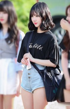Cute Asian Girls, Beautiful Asian Girls, Cute Girls, Kpop Girl Groups, Kpop Girls, Nice Thighs, Kpop Hair, Look Girl, G Friend