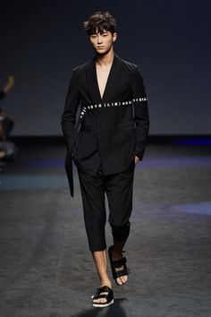 D.Gnak Spring/Summer 2016 - Seoul Fashion Week - Male Fashion Trends