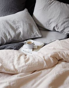 There's no denying that linen bedding looks really, really great King Bedding Sets, Luxury Bedding Sets, King Comforter, Comforter Sets, Bed Linen Sets, Linen Duvet, Linen Pillows, Throw Pillows, Black Bed Linen