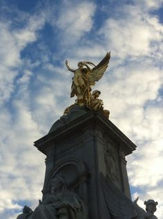 London - England Photo by Melina Muzzin