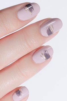 See these seven different ways to wear glitter on your fingernails.