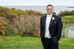 Groom at Stage Neck Inn Maine. Photo by @lenkaflaherty