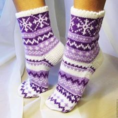 Knitted Slippers, Wool Socks, Knit Mittens, Crochet Slippers, Knitting Socks, Hand Knitting, Knit Crochet, Knitting Patterns, Crochet Patterns