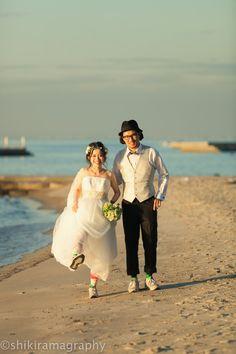 ウェディングフォト0023 Cute Photography, Fun Shots, Wedding Photoshoot, Beach Photos, Wedding Couples, Wedding Hairstyles, Bridal, Couple Photos, Weddings