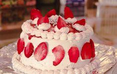 ▷ jahodalera.cz ⋆ Samosběry a prodej jahod 2021 Happy Birthday Cute Girl, Happy Birthday Cake Hd, Birthday Cake Quotes, Happy Birthday Wishes For Her, Birthday Wishes Sms, Happy Birthday Cake Pictures, Cake Art, Cake Decorating, Desserts