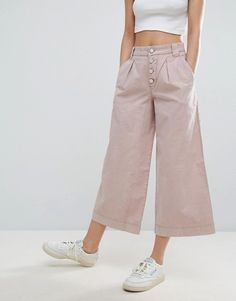 Discover the latest fashion & trends in menswear & womenswear at ASOS. Shop our collection of clothes, accessories, beauty & Asos, Wide Leg Pants, Fashion Online, Zara, Work Clothes, My Style, Tunics, Vegas, Outfits