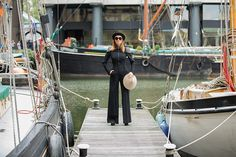 Tinutele cu care Carmen Negoita a fost remarcata la London Fashion Week! A purtat creatii ale designerilor romani!