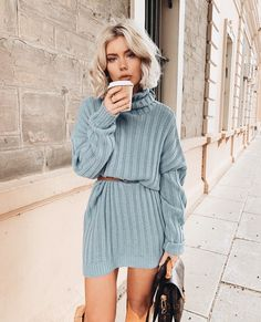 Sweater looks / holiday outfit / January looks/ mini sweater dress Fall Winter Outfits, Autumn Winter Fashion, Summer Outfits, Fall Fashion, Style Fashion, High Fashion, Style Grunge, Grunge Look, 90s Grunge