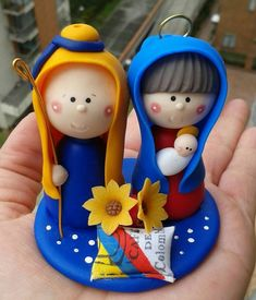 Christmas Clay, Christmas Ornaments, Rose Crafts, Pasta Flexible, Polymer Clay Crafts, Fondant, Nativity, Biscuits, Kawaii