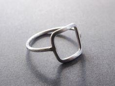 Hey, j'ai trouvé ce super article sur Etsy, chez https://www.etsy.com/fr/listing/193216993/open-square-ring-ring-geometrique-anneau