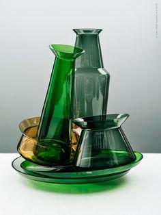 Enkel elegans. Serveringsfat, vas och skål från serien BJÖRKSNÄS.