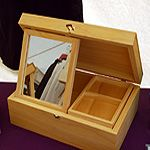 Jewellery box with mirror and heraldic device? How can I refuse?