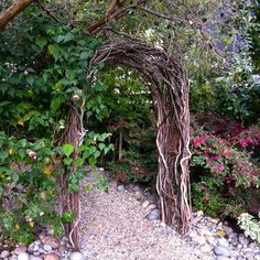 Anyone have any ideas on how to make a twig arch/arbor? - Weddingbee