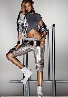 Karlie Kloss by Mario Testino for Vogue China October 2015 3