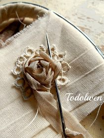 Ribbon Art, Ribbon Crafts, Fabric Ribbon, Flower Crafts, Fabric Art, Fabric Flowers, Fabric Crafts, Sewing Crafts, Thin Ribbon