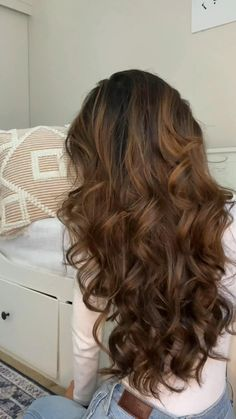 Big Curly Hair, Curls For Long Hair, Loose Curls, Long Curled Hair, Big Voluminous Curls, Clip Hairstyles, Cute Hairstyles For Short Hair, Hairstyles Pictures, Hairdos