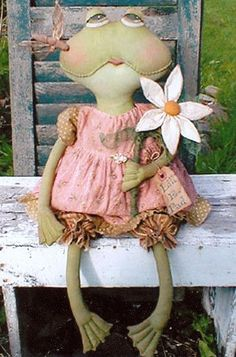 Lill E Pad Primitive Frog Doll Pattern by Sweet by RoosterCreek, $10.00