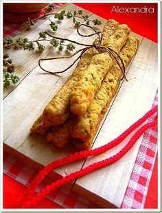 Νόστιμα πικάντικα  κριτσίνια!!! Μια επαγγελματική συνταγή προσαρμοσμένη στις αναλογίες της  κουζίνας μας!!!       Υλικά   250 γρ.λάδι  150... Greek Recipes, My Recipes, Vegan Recipes, Snack Recipes, Cooking Recipes, Favorite Recipes, Recipies, Greek Cooking, Western Food