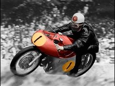 Geoff Duke, 1923-2015 The English rider, a multi-time world champion, was the last to win the 500cc world title on a Manx Norton single. - Track and Road Racing - Motorcycle Sport Forum