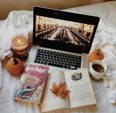 Halloween season is finally here! Fall is full of coziness, plaids, autumn colors are so comforting Light a candle When you go home, take ti. Autumn Aesthetic, Book Aesthetic, Harr Potter, Deco Harry Potter, Harry Potter Aesthetic, Autumn Cozy, Disney Instagram, Instagram Ideas, Blog