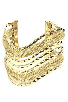 Add a unique sweet touch with this stylish bracelet with your outfits and be fashionable.   Colors: Gold & silver   Imported
