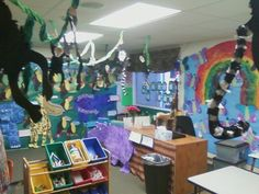 it's open house...welcome to the jungle!