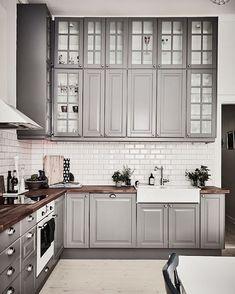 That grey feeling - gorgeous ! Via @yellowtrace ☁️ | #Sweden #apartment #grey #kitchen