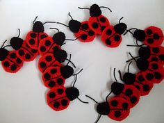 embellish your crochet project with ladybug crochet applique. Very easy pattern and worth a try~happy crocheting!