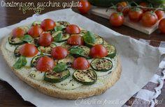 crostone con zucchine grigliate formaggio e pomodorini