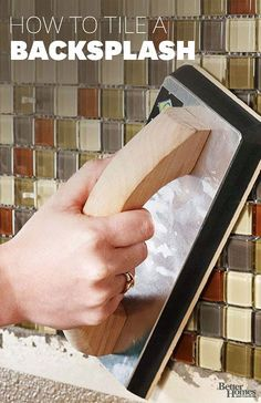 How to Tile A Backsplash. Give your kitchen a new look in just one weekend with a do-it-yourself tile backsplash. Free printable guide and simple-to-install mosaic tile sheets. Diy Projects To Try, Home Projects, Diy Décoration, Diy Crafts, Home Repairs, Do It Yourself Home, Home And Deco, Better Homes And Gardens, Diy Home Improvement