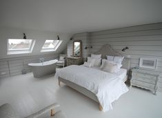 Ultimate loft conversion goals but unfortunately not how the room would work for us but WOW, if was going to have the loft room as my bedroom, this is what I'd want 🏡🏠🏡 loft conversion bedroom north london featured on Sarah Beeny Small Loft Bedroom, Bedroom With Bath, Attic Bedrooms, Loft Room, Loft Bedroom Decor, Extra Bedroom, Small Rooms, Modern Bedroom, Loft Conversion Gallery