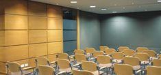 Cuenta con el mayor espacio de los salones disponibles. Diseñado para recibir 40 personas, el auditorio es propicio para reuniones sociales y eventos corporativos.  - Wi-Fi  - Video Beam  - Sistema de audio