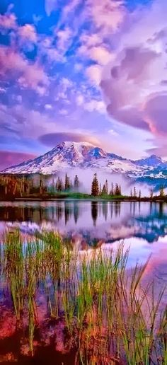 Tranquil mountain scenery in the Eastern US