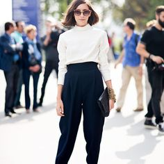 Trousers to die for! Great black and white look! #chic #trousers #falltrends