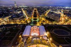 """De Boer Frankreich unterstützte das Festival Automobile International vom 4. Dezember 2014 bis zum 1. Februar 2015 in Paris mit den mobilen Event- und Messehallen. Das Festival gibt es seit 1986, seit 1987 wird auch """"The Most Beautiful Car of the Year"""" im Zuge dessen gewählt."""