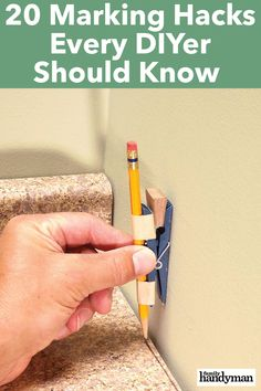20 Marking Hacks Every DIYer Should Know - home repair Diy Home Repair, Repair Shop, Home Repairs, Do It Yourself Home, Diy Wood Projects, House Projects, Home Hacks, Diy Hacks, Diy Home Improvement