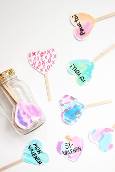 Valentine's day cards on a mason jar / Cartes de St-Valentin dans un pot masson Souris Mini
