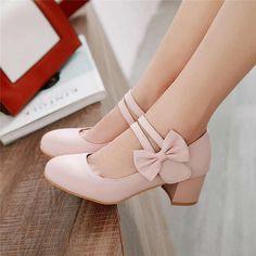 Girls High Heel Shoes, High Heels For Kids, Girls Heels, Kid Shoes, Girls' Shoes, Cool Shoes For Girls, Little Girl Shoes, Shoes Sneakers, Kawaii Shoes