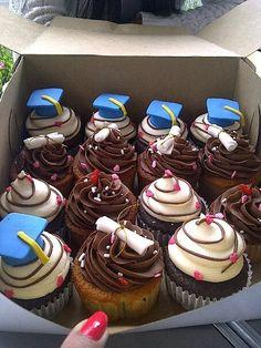 School graduation Cupcakes
