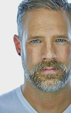 Beard Styles For Men, Hair And Beard Styles, Short Hair Styles, Hairy Men, Bearded Men, Cabelo David Beckham, Silver Fox Hair, Silver Foxes, Grey Hair Men