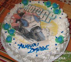 Torta moto gp con cialda crema al cioccolato e panna montata