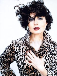 Isabella Rossellini, Glamour, Anna Nicole Smith, Animal Print Fashion, Italian Actress, Funny Art, Timeless Beauty, Color Negra, Wedding Designs