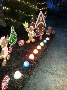 Do you need inspiration about lighting to add to the impression of Christmas in your home? Here are the 50 Best Inspiring Outdoor Christmas Decorations Lights Ideas. Gingerbread Christmas Decor, Candy Land Christmas, Outside Christmas Decorations, Diy Christmas Lights, Christmas Yard Art, Decorating With Christmas Lights, Christmas Diy, Outdoor Decorations, Country Christmas