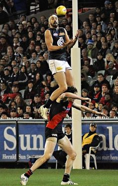 AUSSIE RULES UK: Australian Rules football has been kicking around 'down under' since 1841 and the AFL governs the professional league footy game. Football Rules, Football Cards, Football Players, Carlton Football Club, Australian Football League, Sports Activities, Sports Stars, Sports Photos, At Least