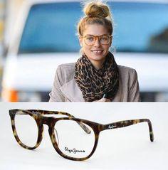 Consigue el estilo de #JessicaHeart con estas #gafas de Pepe Jeans.