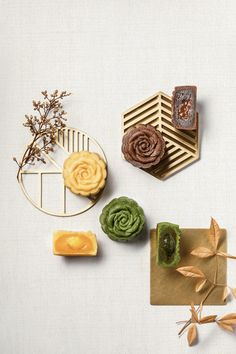 Cake Photography, Food Photography Styling, Food Styling, Cake Festival, Food Backgrounds, Mid Autumn Festival, Moon Cake, Food Decoration, Cute Food