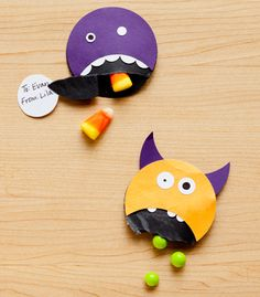 #DIY Monster Mouth Halloween Candy Favors via Confetti Pop | Sweet Tooth