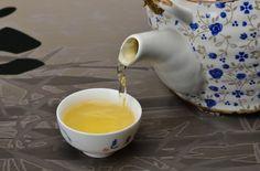 Fengqing Wild Tree Yesheng Raw Pu-erh Tea Cake