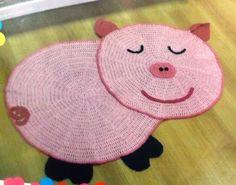 Tapete de Croche em Formato de Porquinho com Gráfico